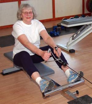 Roddare? Monica Proos tränar - möjligen inför en karriär som roddare.
