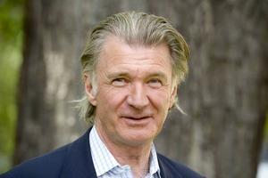 Bo Ekman föreslår att Stefan Löfven utser Anders Wijkman till ny miljö- och klimatminister.