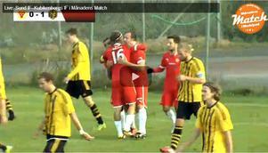 Sunds Stefan Näslund har nyss kvitterat till 1–1 i derby mot Kuben.