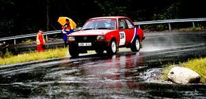 Arrangörsklubben SMK Sundsvalls Mikael Persson gjorde sin snabbaste tid någonsin uppför Södra berget i lördags och han var en av dem som hanterade det blöta underlaget bäst i går. Persson blev sexa i rallybilsklassen.