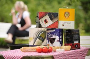Lådvinstid. Vin på låda är fortsatt dominerande på Systemet. Och allra mest lådvin dricker vi under sommaren.