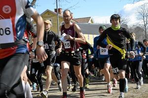 Klara, färdiga, spring. 155 löpare och 21 lag deltog tidigare idag i Laxå Orienteringsklubbs lopp Munkastigen.