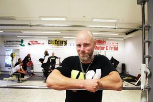 Nu har Bollnäs Styrkeklubb öppnat ett gym. Ronny Vestlin är klubbens ordförande.