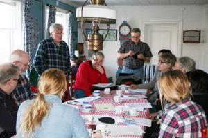 Los bygderåds styrelse ägnade en stor del av söndagen till möte och workshop om framtiden i Losbygden.