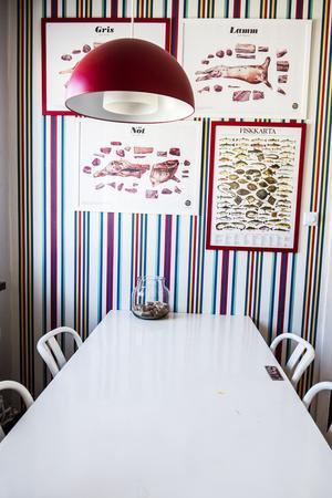 När köksbordet blev för litet hämtade de en dörr i källaren och vips fanns plats för fler matgäster.