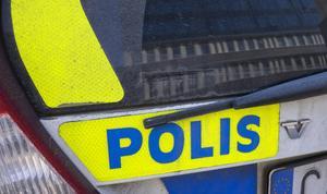 Mannen som saknar körkort har dömts för olovlig körning flera gånger tidigare.