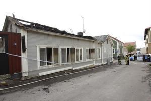 Enligt räddningstjänst, polis och grannar var det tur att det inte blåste natten mot tisdag.