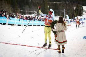Johan Kjölstad var en gång i tiden sprinter och vann VM-guld i Liberec 2009 tillsammans med Ola Vigen Hattestad i teamsprint. Men med åren har han blivit långloppsåkare. Nu kunde han korsa mållinjen i Årefjällsloppet först av alla.