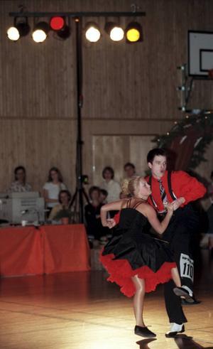 2000-02-06   Danstävling Trolldansen på Höglundaskolan    Liza Östberg och Peter Schultz , Altira   Foto: Mårten Englin