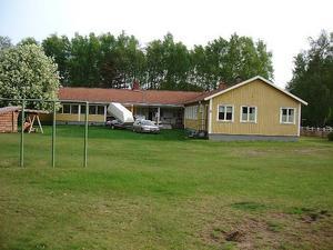 Barnkolonin i Laholm, Halland, är inte brandsäker och kräver stora investeringar från Älvdalens kommun för att kunna tas i bruk som exempelvis vandrarhem.