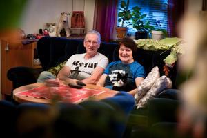 Familjehem. Björn och Päivi Carlsson har mångårig erfarenhet av att vara familjehem. Under årens lopp har de tagit emot över 50 barn och ungdomar.