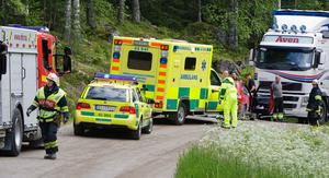 En lastbil och en personbil krockade på tisdagseftermiddagen nära Näcksjö.
