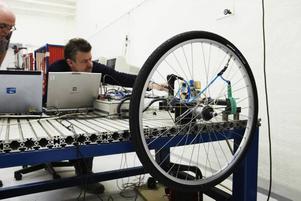 Testfakta har låtit laborietesta åtta cykelpumpar i miniformat. Testet visar på stora skillnader i tryckkraft och effektivitet.