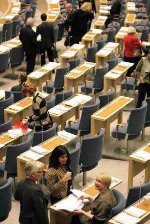 16.00 Dags för votering.