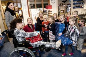 Sundsvall 14 januari: Barn hjälper sjuka barn.