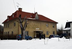 När socialtjänsten åkt från HVB-hemmet i Ljungaverk på torsdagseftermiddagen kom barnen tillbaka till hemmet.