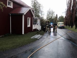 Branden bröt ut i en villa på Alvägen i centrala Härnösand.