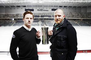 Andreas Bergwall är dubbelt så gammal som SAIK:s supertalang Erik Pettersson. Men duellen dem emellan kan mycket väl avgöra SM-finalen mellan SAIK och Västerås.