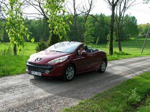 Peugeot 207 CC toppar försäljningen i Sverige med 728 exemplar. Foto: Per-Olof Lönnroth