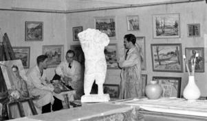 UNGA MÅLARE. Brynäsgruppen var ett konstnärskollektiv som var verksamt i Gävle från slutet av 1930-talet och tio år framåt. Flera av                                            medlemmarna blev med tiden erkända och uppskattade artister. Den här bilden är från 1939.