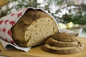 Ett hembakat vörtbröd imponerar på de flesta. Gott är det dessutom.