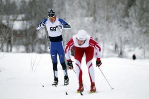 Bjuråkers Anders Wiklund i rött blev trea och  Njutångers Gustav Nilsson i blått kom tvåa i H 17–20-klassen.