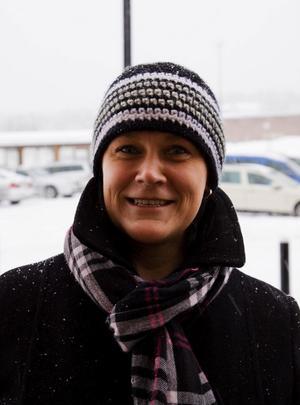 Pirkko Westin, 42 år, projektledare, Alnö:Det har jag inte tänkt på, jag är mitt i en flytt. Men i morgon, söndag, ska jag gå till Skönsmons kyrka och lyssna på vackra finska julsånger.