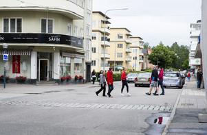 Vid den här passagen på Odengatan i centrala Bollnäs har bilisterna företräde.
