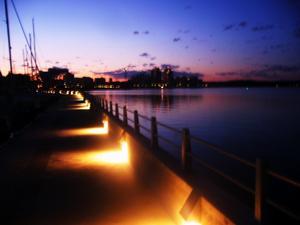 Efter en kväll på stan gick vi ut till nya piren för att varva ner och njuta av den vackraste delen av våran stad, hamnen.