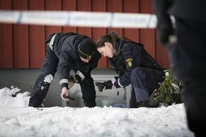 Polisen vill komma i kontakt med vittnen som kan ha sett eller hört något som har med skottdramat att göra.