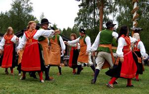 På bilden dansas det i Våmhus gammelgård, men i sommar kommer det dansas rejält i Falun. Foto: Jeanette Lundbeck