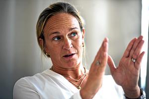 Frida Boklund, regionchef Företagarna i Jönköping och Östergötlands län, menar att utvecklingen - där småföretagare i allt större utsträckning är hänvisade till familj och vänner när de behöver ta lån - är oroande.