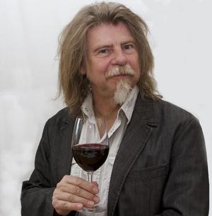 Vår dryckesexpert Sune Liljevall är en av  14 vinskribenter som korat årets bästa och mest prisvärda viner.