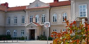 En tuff höst på Ekebyskolan krävde ett extrainkallat möte för skolnämnden.