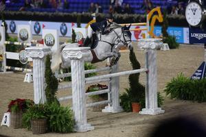Ebba Danielsson lyckades ta en fjärdeplats på världscupen i hoppning för ponnyer i Belgien. Foto: Privat