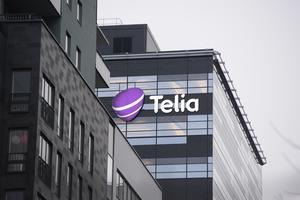 Telias beslut att ta ut en avgift för användande av kontantkort i mobiltelefoner upprör insändarskribenten. Bilden är på Telias huvudkontor i Solna. FOTO: Jessica Gow/TT