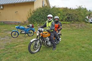 12-årige Palou Leonel från Mallorca med morfar L-G Erlandsson från Skultuna. Foto: Privat