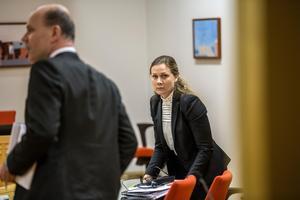 Assistentåklagare Susanna Peterson och kammaråklagare Johan knies.