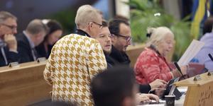Alexander Rosenberg tog över som gruppledare i Moderaterna efter Marita Lärnestad. Här syns Anne-Marie-Larsson, Alexander Rosenberg, Metin Ataseven och Marita Lärnestad under kommunfullmäktige.
