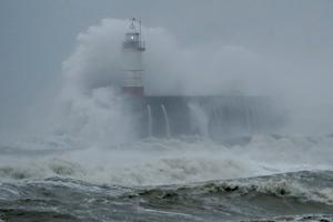 Detta är en bild från stormen Ciara vid södra England.
