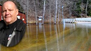 Sedan vandringslederna i Säterdalen stängts på grund av vårfloden har folkparksdirektören Thomas Jansson blivit nerringd av oroliga besökare.