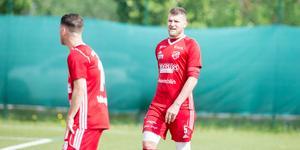 Rigest Hysko och hans Sala FF fick betala priset för ett par tunga minuter i första halvlek.
