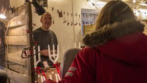 Handstöpta ljus var populärt att köpa bland besökarna.