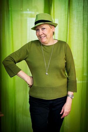 Den röda tråden i Eva Magnussons liv är grönt. Av späda gröna granskott tillverkar hon nytänkande och spännande matprodukter.