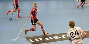 Hanna Strandberg hade ett finger med i spelet i det mesta ÖIB skapade offensivt mot Dalen.