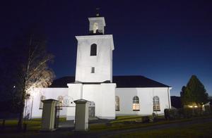 Bröderna Bagge firar jul med familjen och midnattsmässa i Nordingrå kyrka.