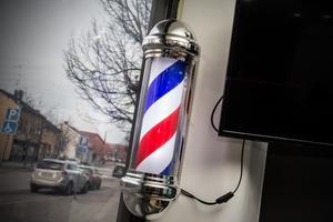 En del av barbershop-konceptet. Den klassiska rödvitblåa lampan.