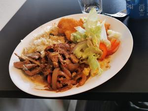 Maten nådde inte upp till nivå, menar Lunchkollen. Foto: Lunchkollen.