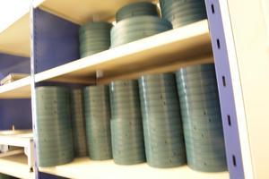 Tusentals rullar med film är arkiverade på filmarkivet i Grängesberg.