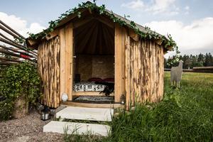 Rondovalen, en rund stuga med inspiration från Teresas hemland Sydafrika.